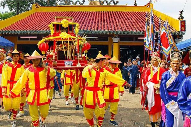 Vĩnh Long sơ kết 05 năm thực hiện Chỉ thị số 41 đối với công tác quản lý và tổ chức lễ hội - Ảnh 1.
