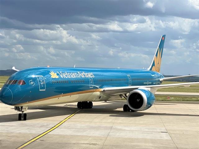 Vietnam Airlines đưa công dân Việt Nam tại Hà Lan và Pháp hồi hương  - Ảnh 1.