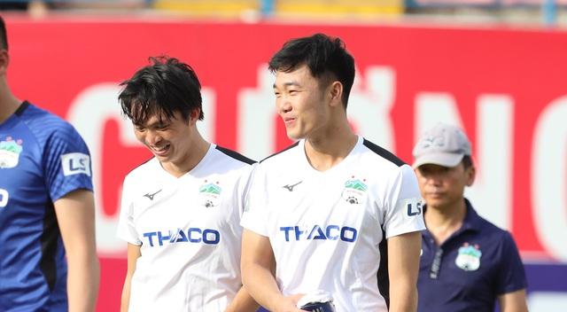 HLV Lee Tae-hoon lí giải việc cất Tuấn Anh trên băng ghế dự bị và cho Xuân Trường vào sân phút bù giờ cuối trận - Ảnh 1.