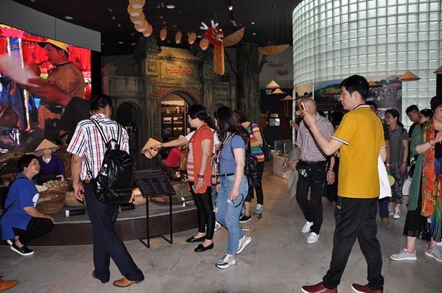Quảng Ninh: Đảm bảo môi trường du lịch trong giai đoạn cao điểm kích cầu du lịch - Ảnh 1.