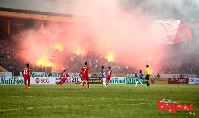 Công an TP Hà Nội tăng cường lực lượng chuẩn bị cho trận đấu Hà Nội FC - Hải Phòng - Ảnh 1.
