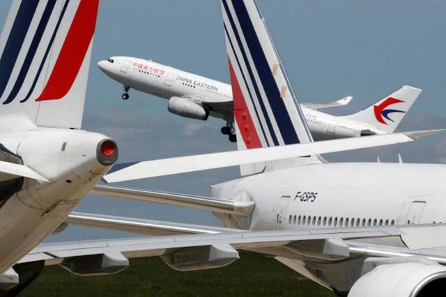 """Pháp – Trung """"đáp trả"""" nhau về các chuyến bay chở khách - Ảnh 1."""