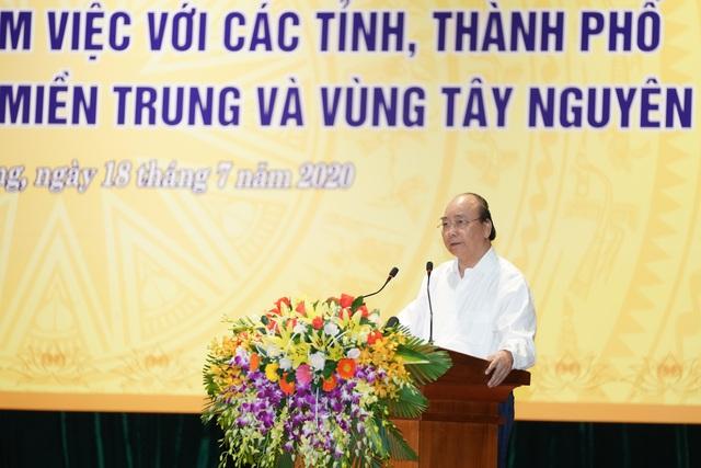 Thủ tướng: Địa phương nào cần tiền để phát triển, Chính phủ mang tiền đến - Ảnh 1.