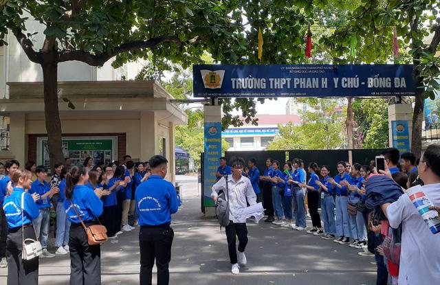 Hà Nội lùi lịch thi vào lớp 10 THPT sang tháng 6 - Ảnh 1.