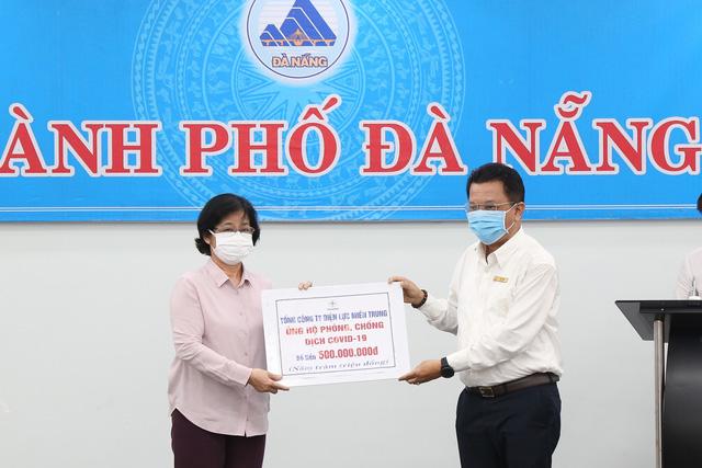 EVN và EVNCPC trao 1,5 tỷ đồng hỗ trợ công tác phòng chống dịch Covid-19 tại Đà Nẵng - Ảnh 2.
