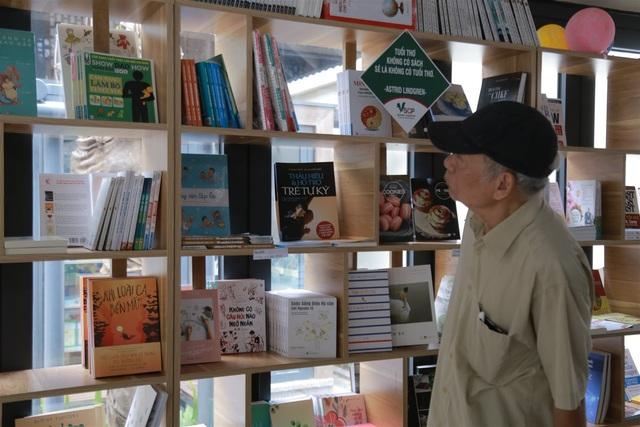 Lai Châu: Nâng cao chất lượng các hoạt động phục vụ người cao tuổi trong các thư viện công cộng - Ảnh 1.