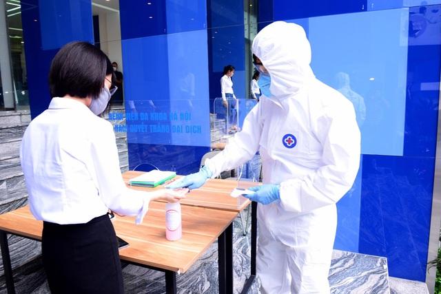 Bệnh viện Đa khoa Hà Nội tăng cường chống dịch Covid-19 - Ảnh 1.