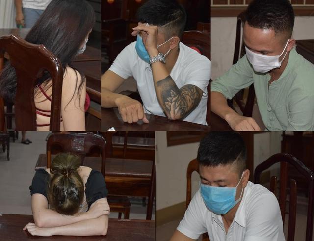 Nhóm thanh niên tụ tập hát karaoke, sử dụng ma túy giữa lúc giãn cách xã hội - Ảnh 1.