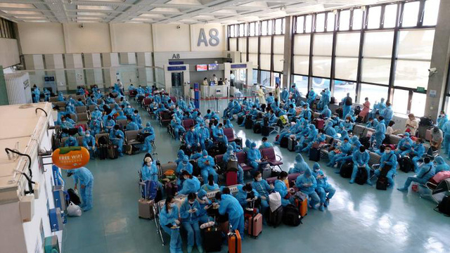 Đưa 290 công dân Việt Nam từ Đài Loan (Trung Quốc) về nước - Ảnh 1.