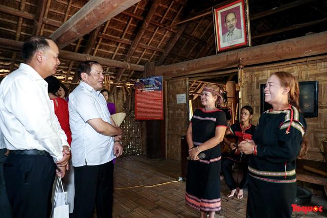 """Thứ trưởng Nguyễn Văn Hùng: Làng Văn hóa - Du lịch các dân tộc Việt Nam phải là một địa chỉ """"đỏ"""" trong tương lai - Ảnh 4."""