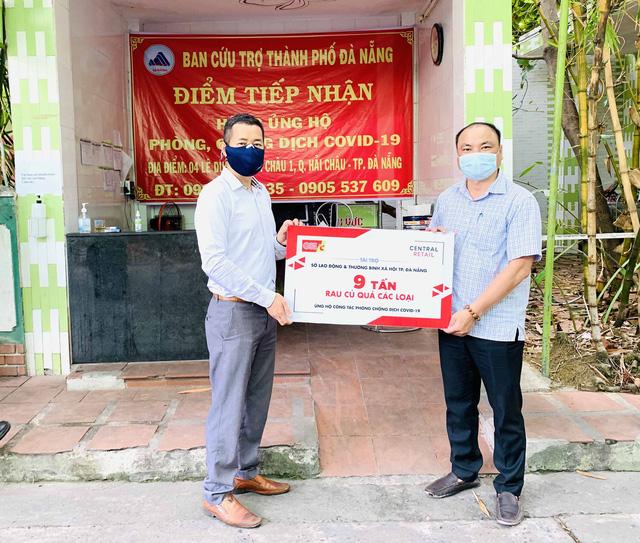 Trao tặng 10 tấn rau củ quả tiếp sức cho Đà Nẵng chống dịch Covid-19 - Ảnh 2.