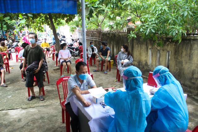 Không yêu cầu xét nghiệm SARS-CoV-2 đối với người từ Đà Nẵng, Hải Dương đến Quảng Trị ngắn ngày - Ảnh 1.