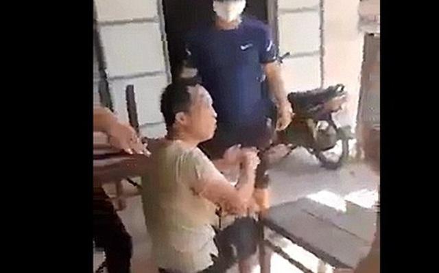 Công an Quảng Nam trục xuất người Trung Quốc nhập cảnh trái phép - Ảnh 1.