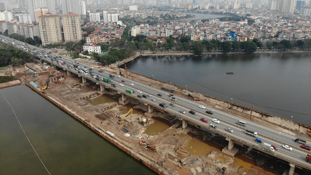 Thủ tướng yêu cầu đẩy nhanh tiến độ giải phóng mặt bằng các dự án giao thông trọng điểm - Ảnh 1.