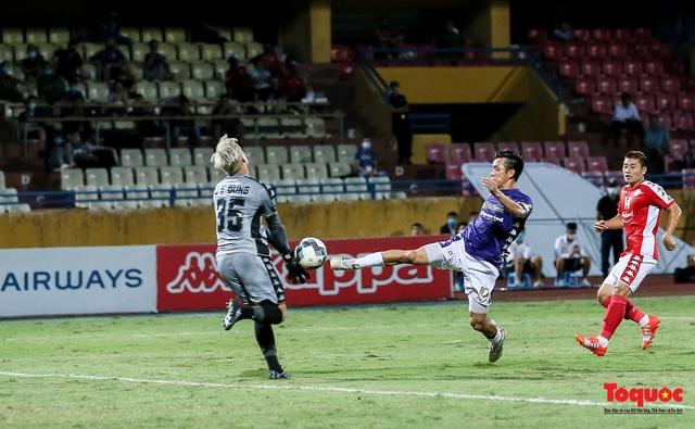 """Bùi Tiến Dũng đưa Viettel """"bay"""" vào Chung kết; Hà Nội FC đè bẹp TP. HCM ngay trên sân nhà - Ảnh 2."""