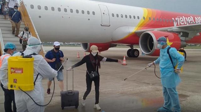 Hướng dẫn y tế cho hành khách nhập cảnh Việt Nam đường hàng không - Ảnh 1.