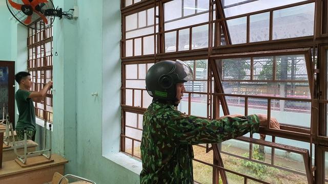 Học sinh, sinh viên ở Đà Nẵng nghỉ học ngày 18-19/9 để phòng chống bão số 5 - Ảnh 2.