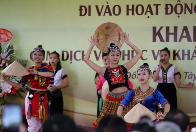 """Thứ trưởng Nguyễn Văn Hùng: """"Giữ gìn bản sắc văn hóa của đồng bào dân tộc là nhiệm vụ chính trị có ý nghĩa quan trọng"""" - Ảnh 7."""
