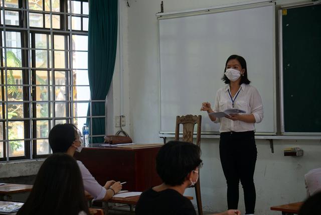 Gần 11.000 thí sinh Đà Nẵng làm thủ tục dự thi tốt nghiệp THPT năm 2020 đợt 2 - Ảnh 4.