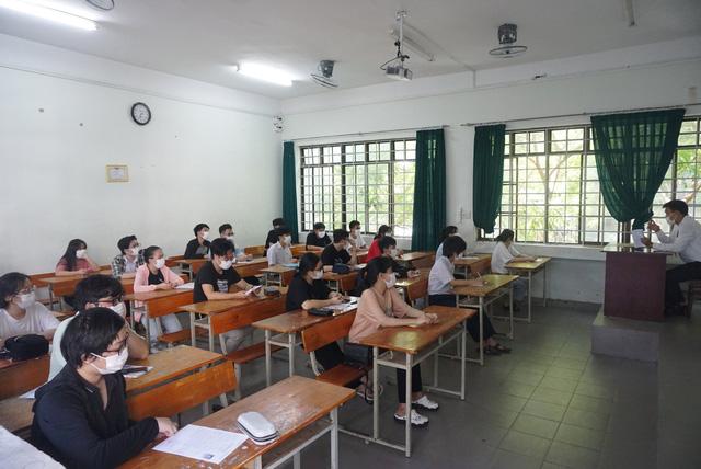 Gần 11.000 thí sinh Đà Nẵng làm thủ tục dự thi tốt nghiệp THPT năm 2020 đợt 2 - Ảnh 3.