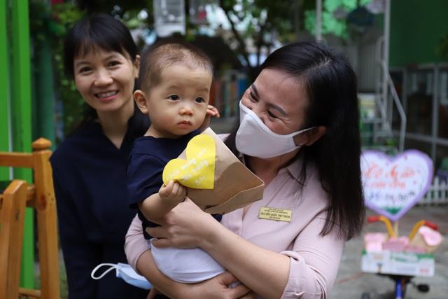 Học sinh mầm non, tiểu học ở Đà Nẵng bắt đầu đến trường học tập trung - Ảnh 10.
