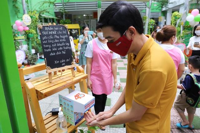 Học sinh mầm non, tiểu học ở Đà Nẵng bắt đầu đến trường học tập trung - Ảnh 8.