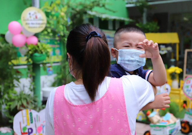 Học sinh mầm non, tiểu học ở Đà Nẵng bắt đầu đến trường học tập trung - Ảnh 13.