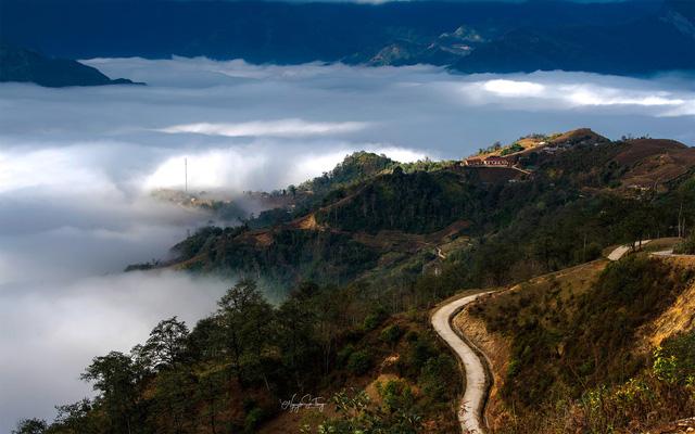 Cảnh đẹp ngỡ ngàng trên vùng cao Y Tý - Ảnh 5.