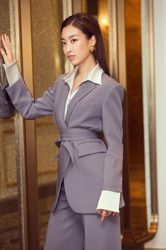 Á hậu Thụy Vân đọ sắc cùng Hà Kiều Anh tại Hoa hậu Việt Nam  - Ảnh 8.