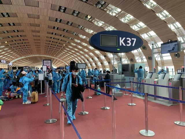 Đưa gần 280 công dân Việt Nam từ Pháp, Ma-rốc và Chi-lê về nước - Ảnh 1.