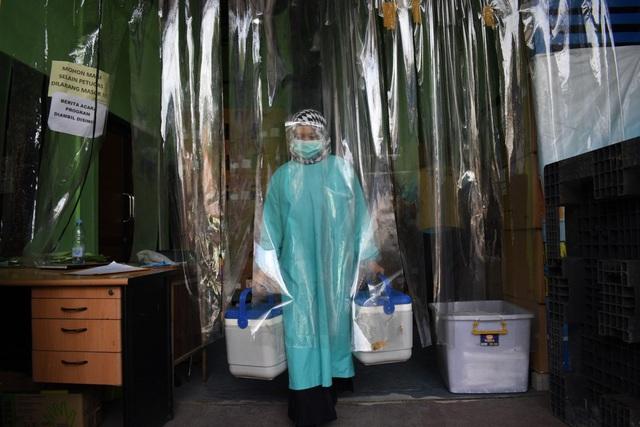 """Ngoại giao vaccine của Trung Quốc """"lung lay"""" sau loạt kết quả thử nghiệm lâm sàng - Ảnh 2."""