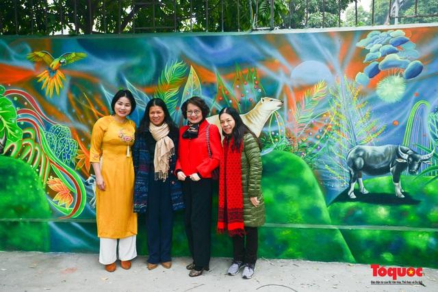 Khánh thành dự án tranh tường 'Môi trường sạch-Hành tinh xanh' tại Hà Nội - Ảnh 7.