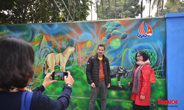 Khánh thành dự án tranh tường 'Môi trường sạch-Hành tinh xanh' tại Hà Nội - Ảnh 10.