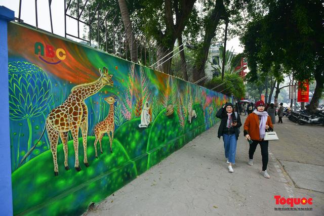 Khánh thành dự án tranh tường 'Môi trường sạch-Hành tinh xanh' tại Hà Nội - Ảnh 9.