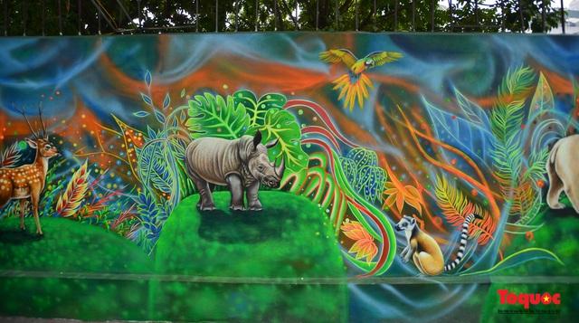 Khánh thành dự án tranh tường 'Môi trường sạch-Hành tinh xanh' tại Hà Nội - Ảnh 6.