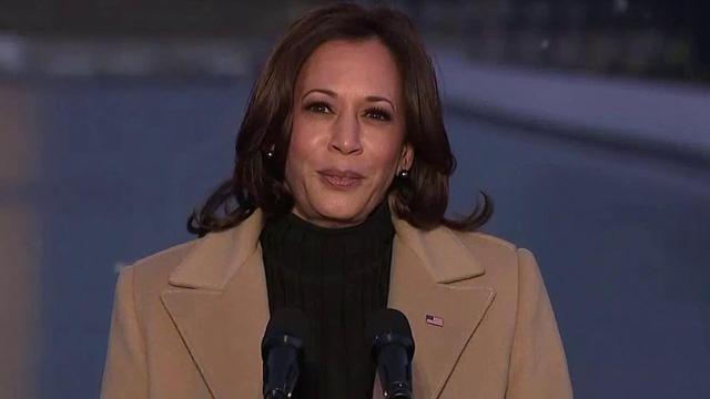 Tổng thống đắc cử Joe Biden tưởng niệm nạn nhân Covid-19 trước lễ nhậm chức - Ảnh 4.