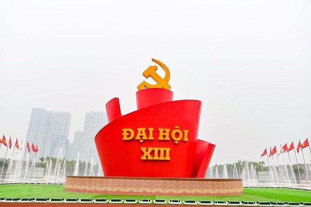 Người nước ngoài tại Việt Nam theo dõi sát sao Đại hội Đảng XIII - Ảnh 1.