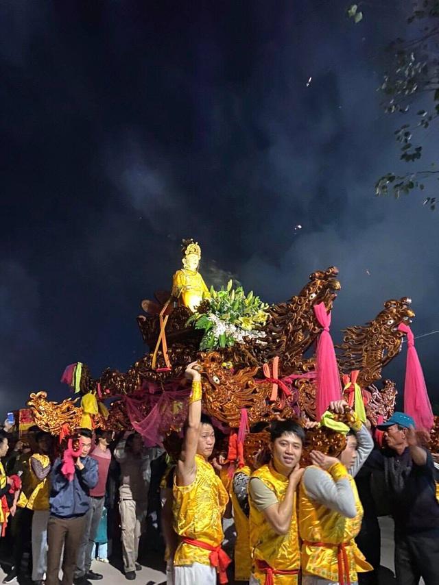 Lễ hội đền – chùa Linh Quang đón bằng Di sản văn hóa phi vật thể quốc gia - Ảnh 1.