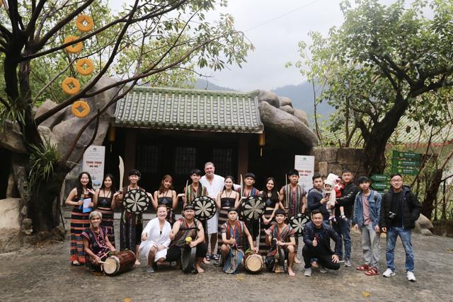 Khách du lịch đến Đà Nẵng dịp năm mới 2021 tăng - Ảnh 2.