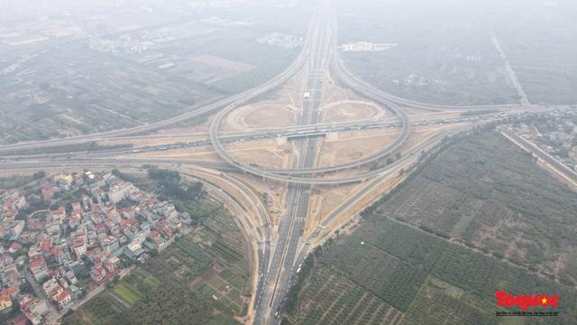 Toàn cảnh nút giao Cổ Linh với cao tốc Hà Nội Hải Phòng hơn 400 tỷ trước ngày thông xe - Ảnh 1.