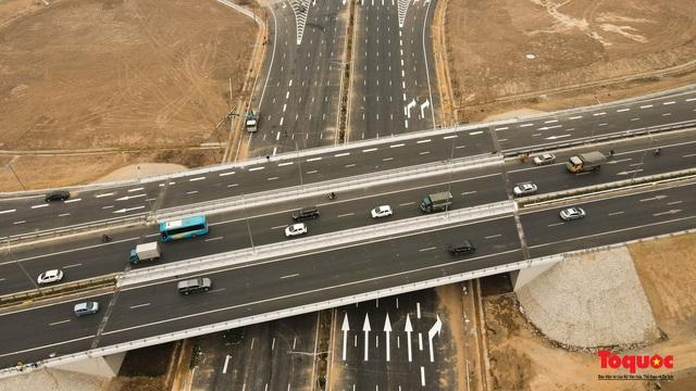 Toàn cảnh nút giao Cổ Linh với cao tốc Hà Nội Hải Phòng hơn 400 tỷ trước ngày thông xe - Ảnh 5.