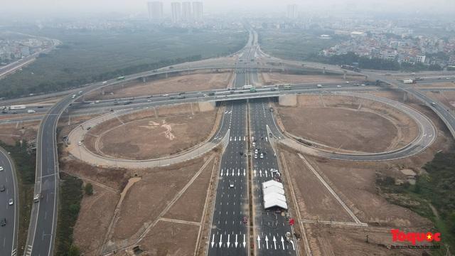 Toàn cảnh nút giao Cổ Linh với cao tốc Hà Nội Hải Phòng hơn 400 tỷ trước ngày thông xe - Ảnh 3.