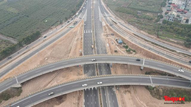 Toàn cảnh nút giao Cổ Linh với cao tốc Hà Nội Hải Phòng hơn 400 tỷ trước ngày thông xe - Ảnh 4.