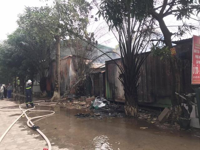 Cháy khu nhà lán trọ cạnh chung cư Xa La - Ảnh 3.