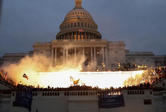 Tấn công tòa nhà Quốc hội Mỹ: Tài khoản Twitter của Tổng thống Trump bị khóa - Ảnh 1.