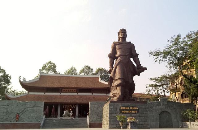 Thủ tướng dâng hương tưởng nhớ Quang Trung – Nguyễn Huệ - Ảnh 1.