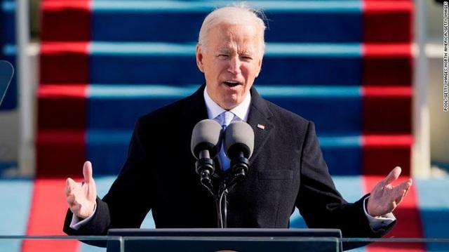 Thói quen một ngày của tân Tổng thống Biden: Đi ngủ sớm và đặt lò sưởi ở phòng Bầu Dục - Ảnh 1.