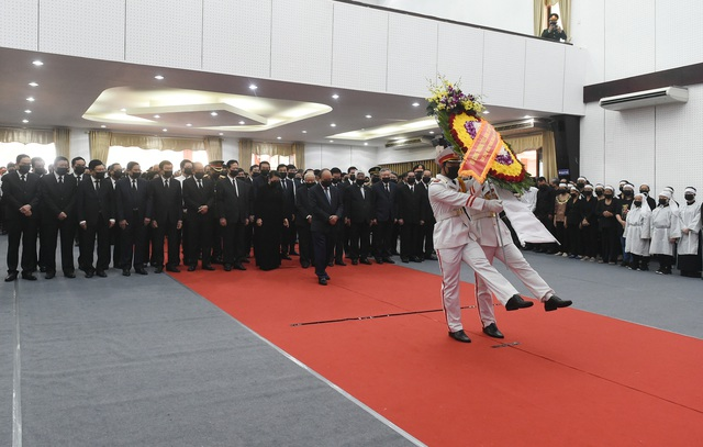 Lãnh đạo Đảng, Nhà nước đến viếng nguyên Phó Thủ tướng Trương Vĩnh Trọng - Ảnh 2.