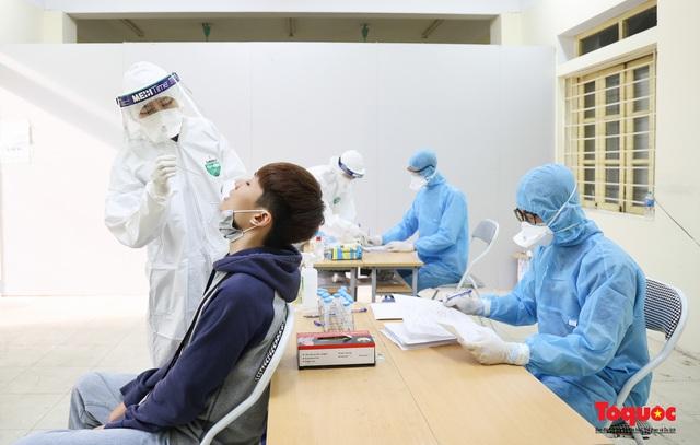 Hà Nội tiến hành xét nghiệm SARS-CoV-2 cho tân binh chuẩn bị nhập ngũ - Ảnh 7.