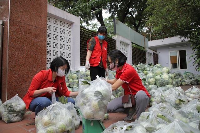 """Chiến dịch """"Chung sức cùng người dân tiêu thụ nông sản"""" lan tỏa tinh thần sẻ chia với cộng đồng - Ảnh 2."""
